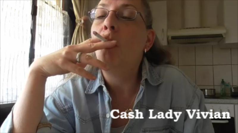 Rauchende Lady!